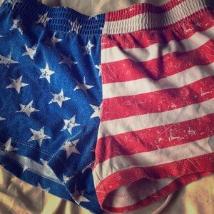 No boundaries small red white and blue shorts